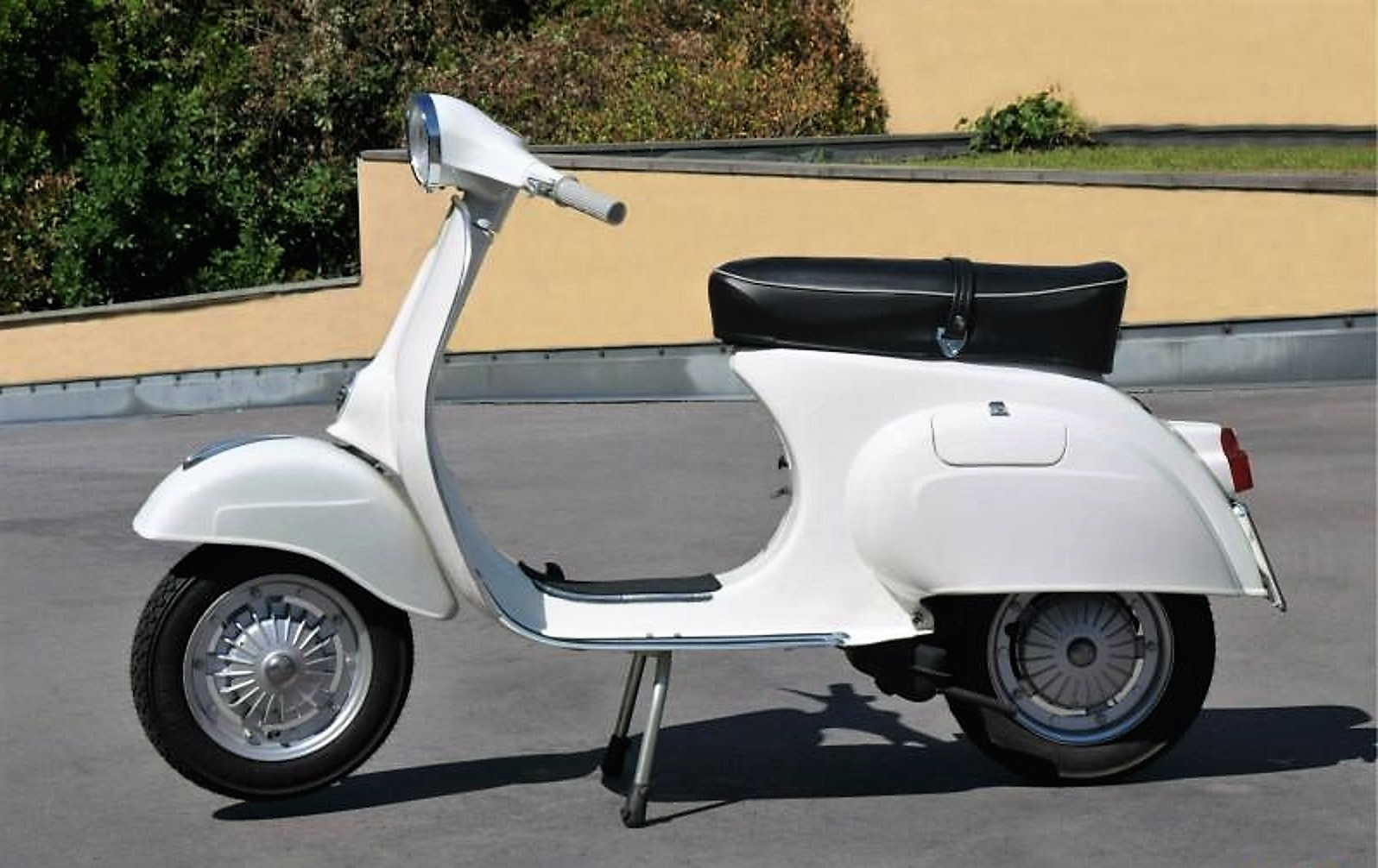 1976 vespa 125 primavera totally restored italian vintage motors. Black Bedroom Furniture Sets. Home Design Ideas